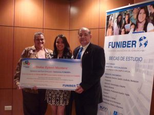 "FUNIBER awards the prize to its contest ""FUNIBER Opinions"""