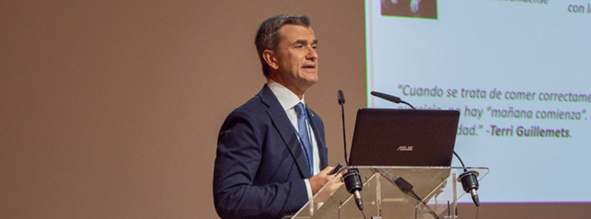 UNEATLANTICO awards its medal of honor to FUNIBER's Scientific Director, Maurizio Battino